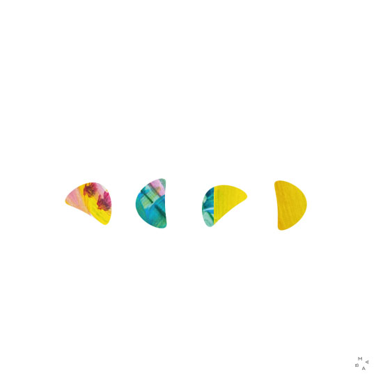 Poesía acopañada por arte visual geométrico